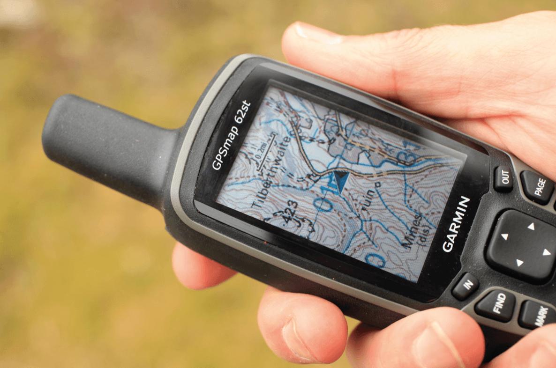 Garmin-GPSMAP-62St-Handheld-Hiking-GPS-Navigator-mountain-maps-directions